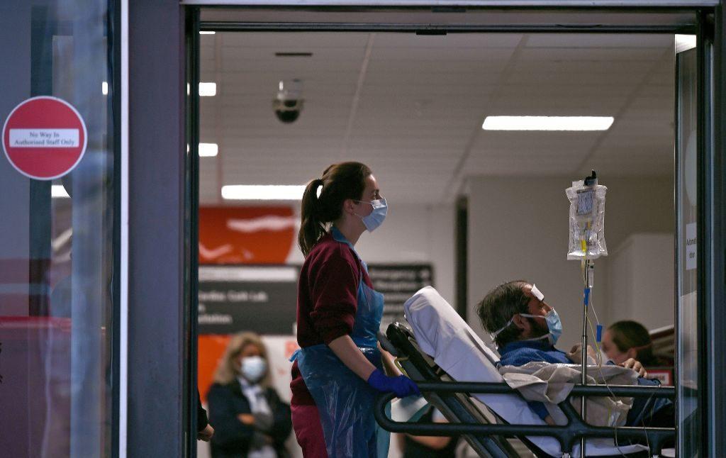 Importante hospital de Londres cerca de quedarse sin reserva de oxígeno por el coronavirus