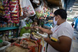Perú aplica un plan económico de 26.000 millones de dólares para enfrentar el Covid-19