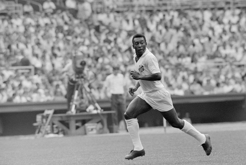 Pelé reconoce que no es hincha del histórico club brasilero en el que es ídolo