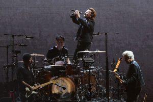 U2 donó 10 millones de euros para apoyar a trabajadores de la salud en Irlanda por el Covid-19