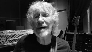 """Roger Waters hizo cover de """"El derecho de vivir en paz"""" y le mandó un mensaje a Presidente Piñera"""