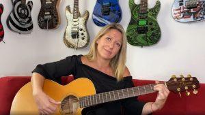"""""""Tomé mi guitarra después de 11 años"""": Macarena Tondreau sorprendió cantando en cuarentena"""