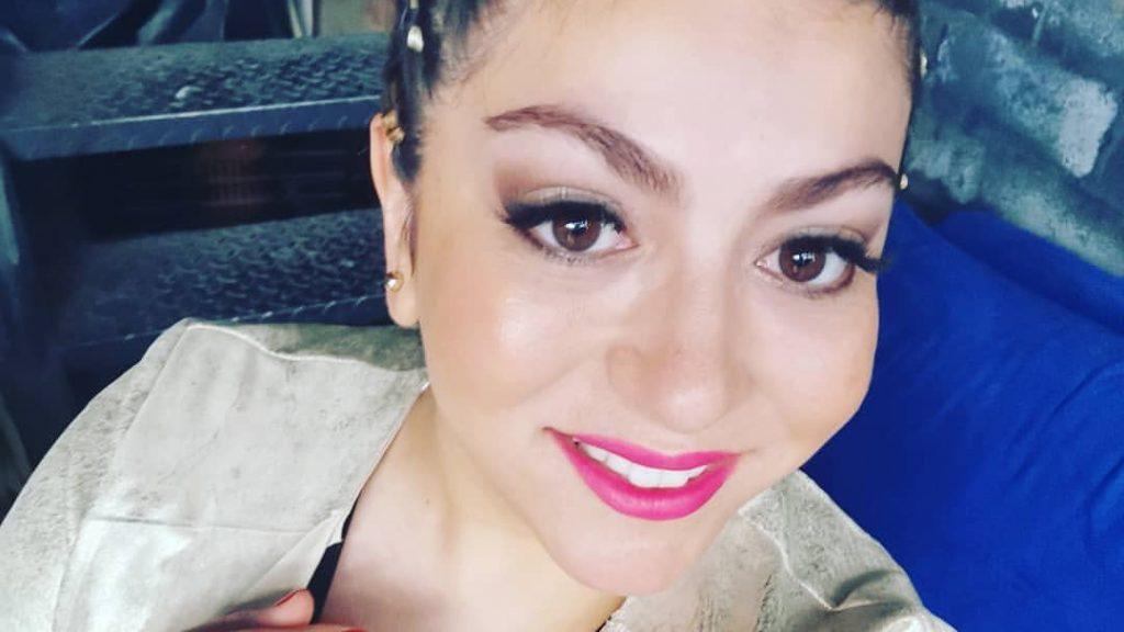 """Fernanda Fuentes se roba las miradas como parte de la """"Mesa Digital"""" de la Teletón desde Tenerife"""