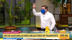 Julio César Rodríguez sacó carcajadas con sus tutoriales para hacer mascarillas caseras