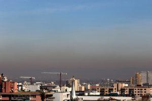 Decretan preemergencia ambiental para este martes en un Santiago bajo cuarentena
