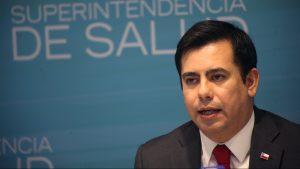 Superintendente de Salud explicó cómo opera la Ley de Urgencia en el marco de la pandemia
