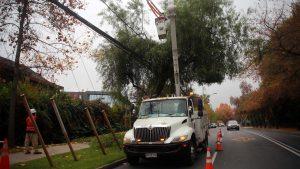 Ministro (s) de Energía fiscalizó trabajos de reparación para evitar cortes de electricidad debido al pronóstico de lluvias