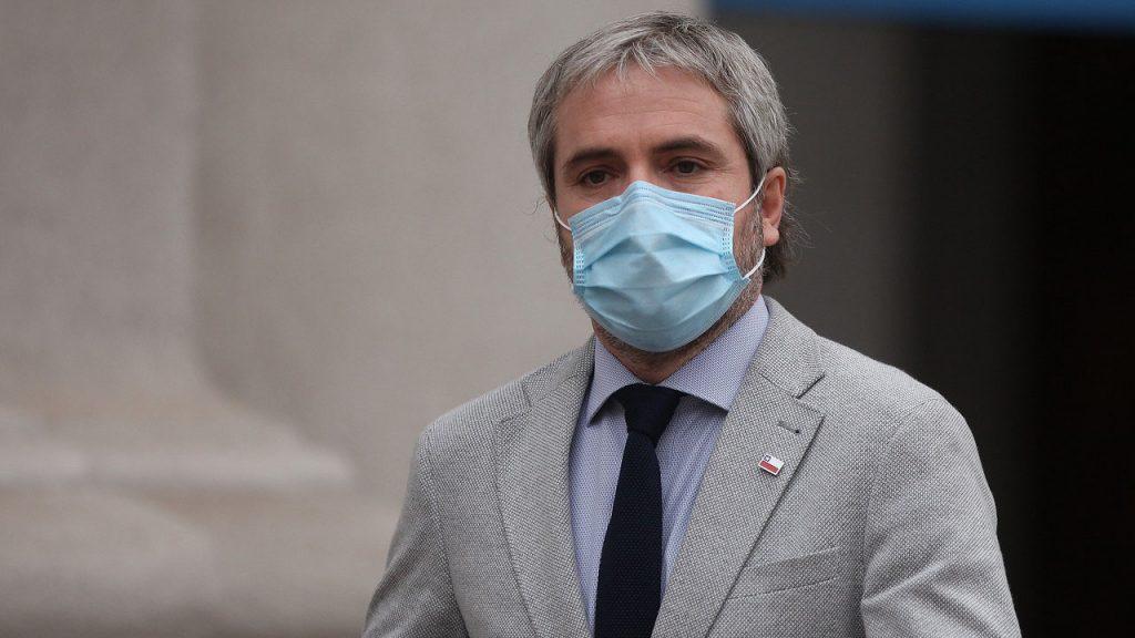 """Blumel llamó a """"suspender por un tiempo las legítimas diferencias"""" tras reunión con partidos para trabajar en acuerdo nacional"""