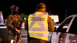 Reporte de Carabineros confirmó alza de detenidos por quebrantar el toque de queda