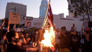 Minneapolis vivió segunda noche de protestas tras asesinato de afroamericano a manos de policía blanco