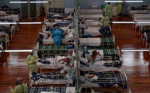 Región más afectada en Brasil por el Covid-19 busca relajar cuarentena y abrir malls