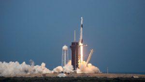Una misión histórica: SpaceX lanzó con éxito su primer viaje con tripulantes de la NASA
