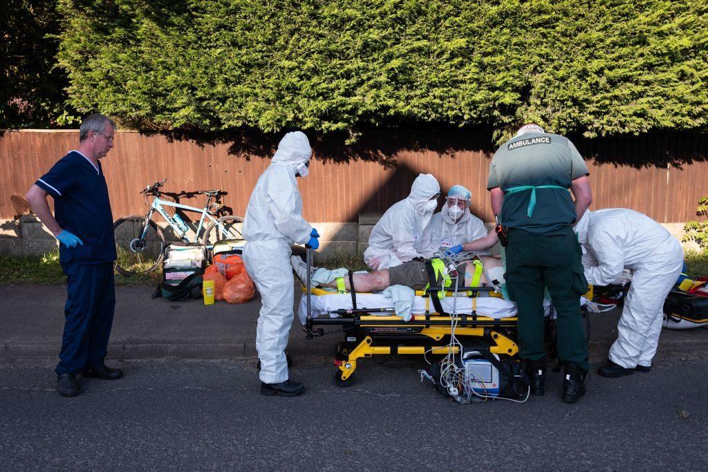 Científicos británicos: Contraer gripe y Covid-19 juntos aumenta el riesgo de muerte