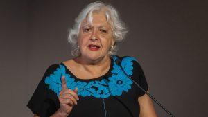Controversia en redes sociales por salida de Mónica González de Mesa Central