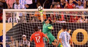 Sergio Agüero recordó la espectacular tapada de Bravo en la final de Copa América