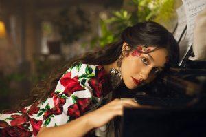 """Denise Rosenthal estrenó videoclip para su nueva canción """"No olvidar"""""""