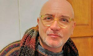 """Lucho Jara luego de raparse la cabeza: """"Me parezco a Phil Collins"""""""