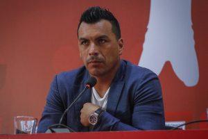 La brusca caída en sus remuneraciones que tiene Esteban Paredes en Colo Colo