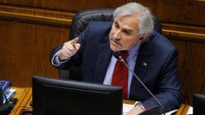 Senador Iván Moreira anunció proyecto para que alcaldes, concejales y cores puedan ser reelegidos