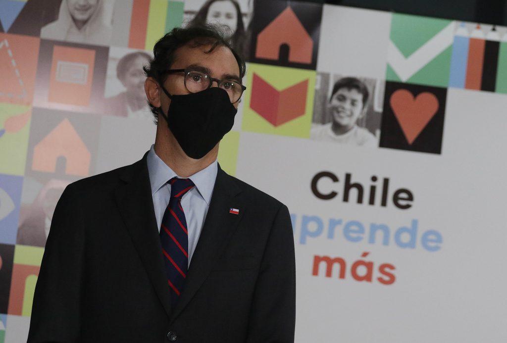 """Raúl Figueroa, ministro de Educación: """"Por una razón de equidad, el retorno a clases es fundamental"""""""