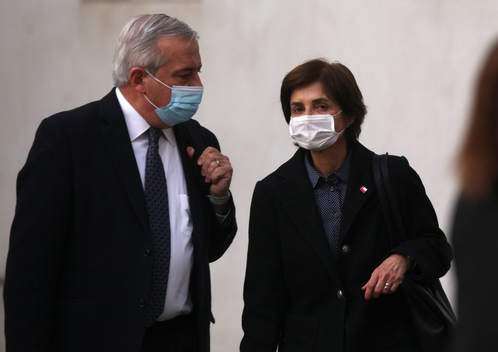 Ministro Mañalich confirmó que subsecretaria Paula Daza entrará en cuarentena preventiva