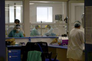 Reportaje: La gran batalla del personal sanitario en la pandemia