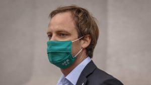 Chofer del subsecretario Arturo Zúñiga está hospitalizado con Covid-19