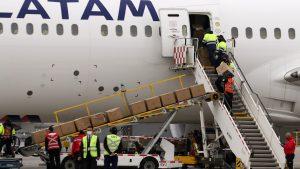 Gobierno recibió cargamento de ventiladores y explicó razones de entrega de cajas familiares
