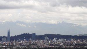 Nublado y chubascos aislados: revisa el pronóstico del tiempo para este martes en Santiago