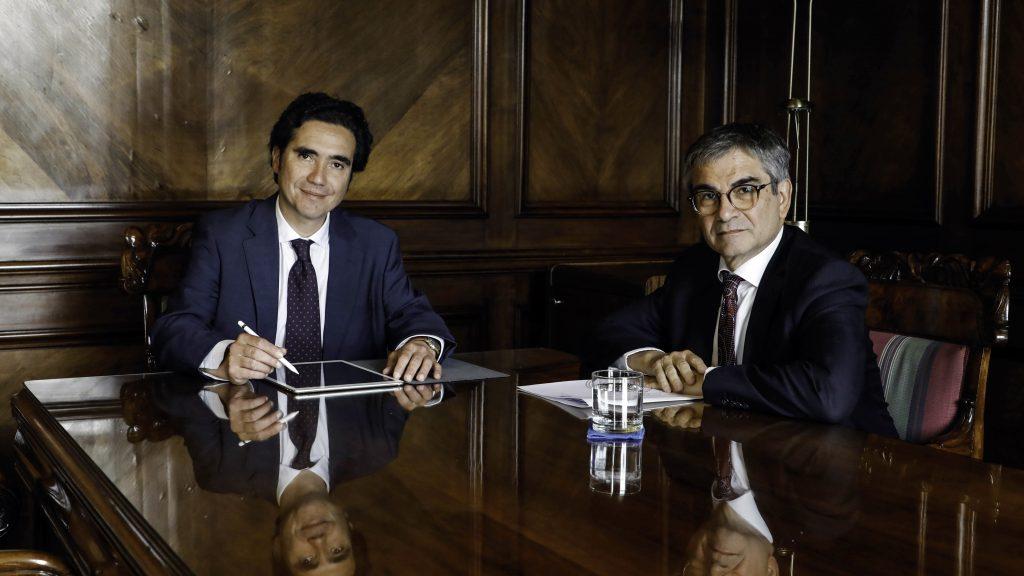 En secreto quedaron exposiciones del ministro Briones y presidente del Banco Central ante la comisión de Hacienda del Senado