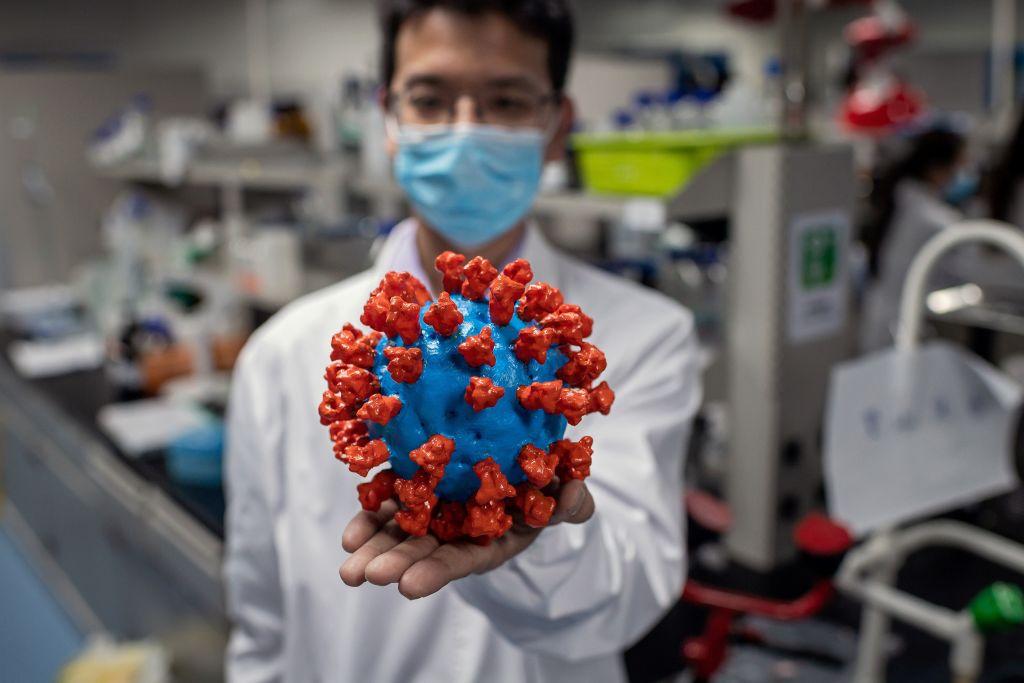 Un científicos del Sinovac Biotech de Pekín