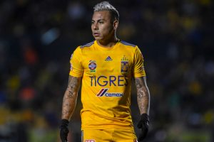 Desde México aseguran que hay tres equipos brasileños que quieren contar con Eduardo Vargas