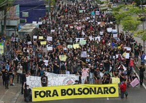 """Presidente de Brasil sobre las más de 31.000 muertes: """"Es el destino de todo mundo"""""""