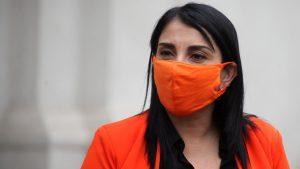"""Ministra Karla Rubilar: """"Nosotros no defendemos el sistema de las AFP"""""""