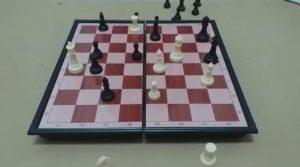 "VIDEO | ""Déjate de relatar"": Héctor ""Tito"" Garrido y un intenso partido de ajedrez"