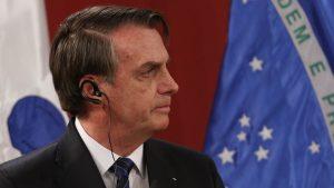 Bolsonaro terminó conferencia de prensa con periodistas sin usar mascarilla ni respetar medidas de distanciamiento físico