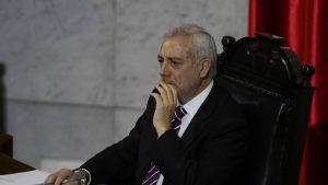 Fiscalía abrió investigación contra secretario del Senado por reunión en medio de cuarentena