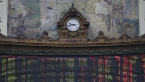 Precio del dólar abre a la baja tras aprobación de idea de legislar retiro de fondos de las AFP