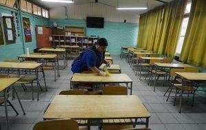 Presidente del Colegio de Profesores acusó presiones por parte del Mineduc para que las clases vuelvan en la quincena de agosto