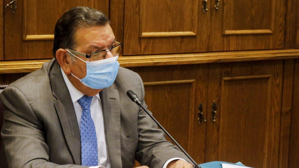 Senador Rabindranath Quinteros será interrogado por viajar a Puerto Montt sin esperar el resultado de su examen PCR