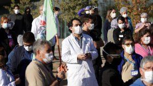Trabajadores del Hospital Barros Luco realizarán paro de actividades: Denuncian más de 13 mil funcionarios contagiados