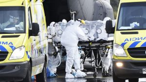 Tres pacientes que arribaron a Valdivia desde Santiago en estado crítico por Covid-19 fueron dados de alta