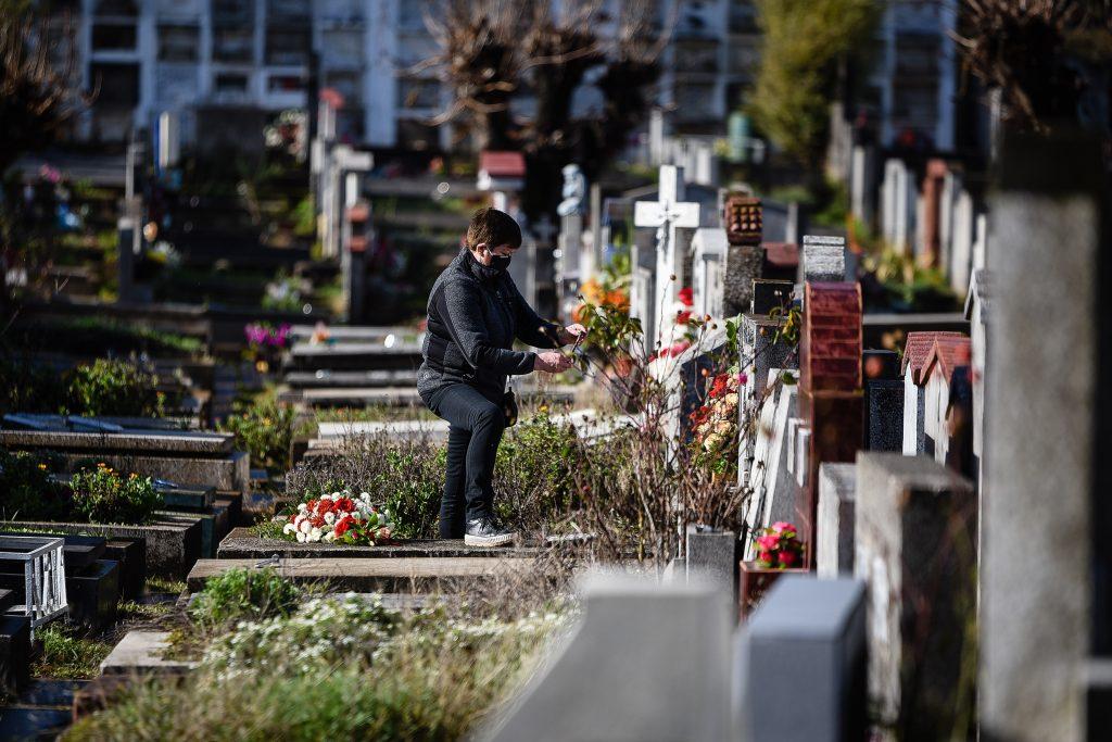 Nuevo informe epidemiológico: 10.159 fallecidos entre casos confirmados y probables