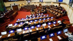 Comisión de Constitución de la Cámara aprobó idea de legislar retiro de hasta un 10% de fondos de pensiones