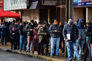 Tras último reporte diario del Minsal, Chile superó los 300 mil casos confirmados de Covid-19
