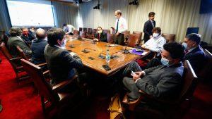 Ministros se reunieron con parlamentarios de Chile Vamos para lograr rechazo de proyecto de retiro de fondos en la Cámara