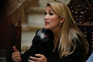 Presidenta interina de Bolivia, Jeanine Áñez, dio positivo por Covid-19