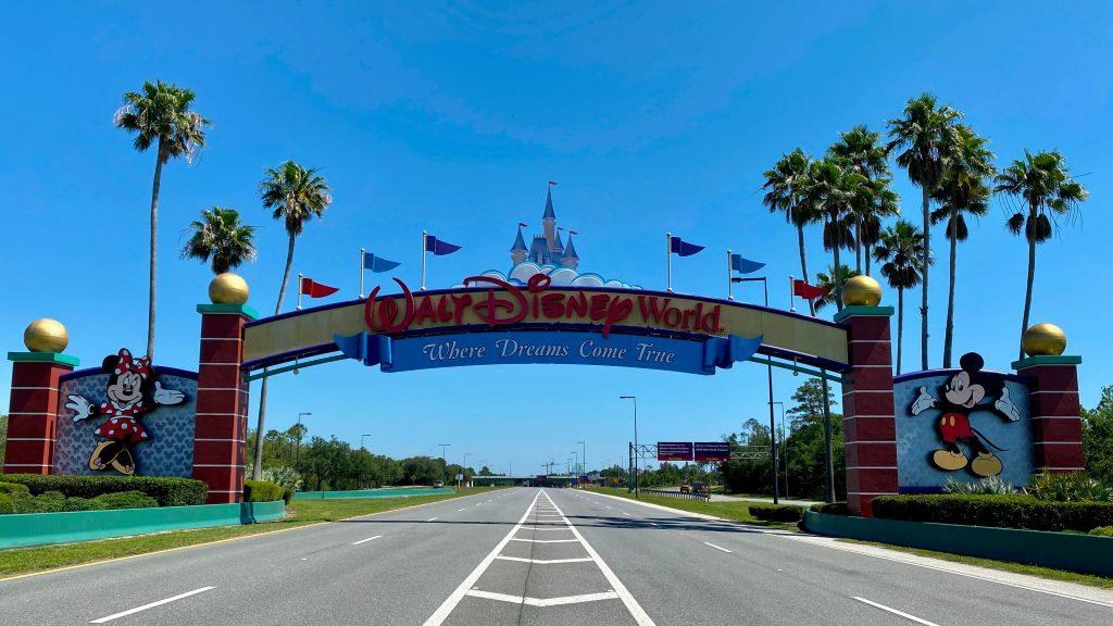 Disney World reabrirá sus puertas pese a brote de Covid-19 en Florida