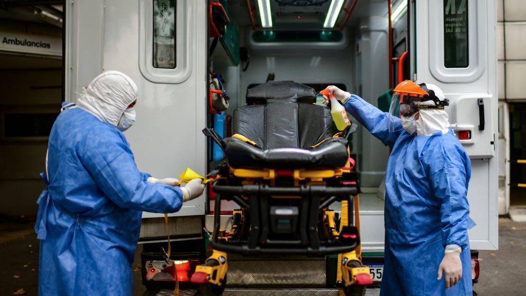 Ambulancia transportaba fernet en Argentina: habrían sido para hijo de un intendente