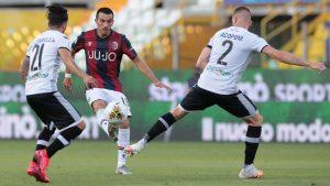 Con Gary Medel como titular, Bologna no pudo aprovechar la ventaja y solo rescató un empate ante el Parma